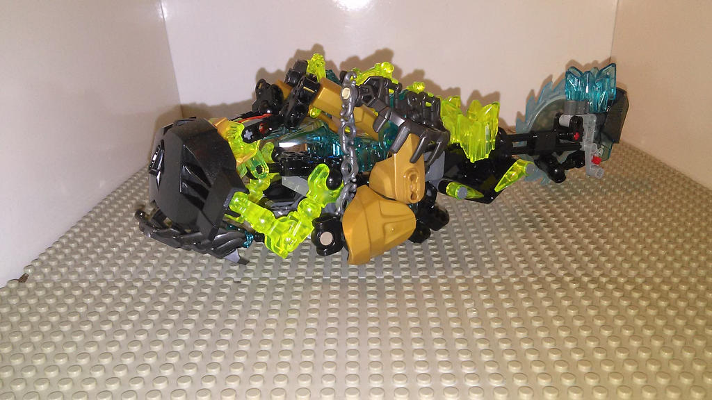 Makuta the Destroyer (truck mode) by sideshowOfMadness