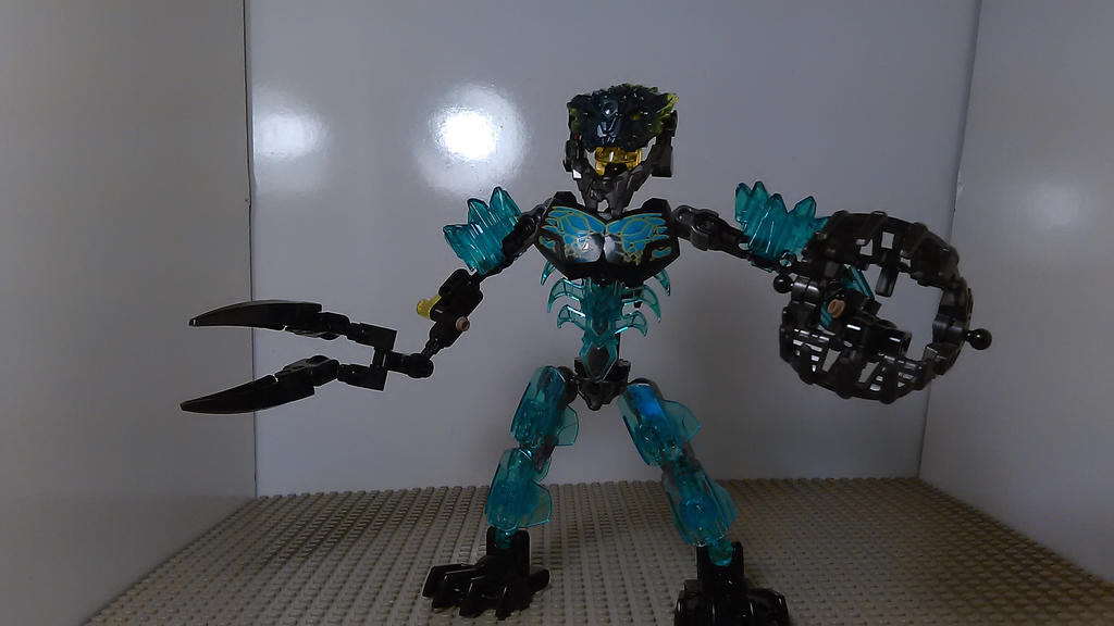 Bionicle Transformer Storm Trucker (Robot Mode) by sideshowOfMadness