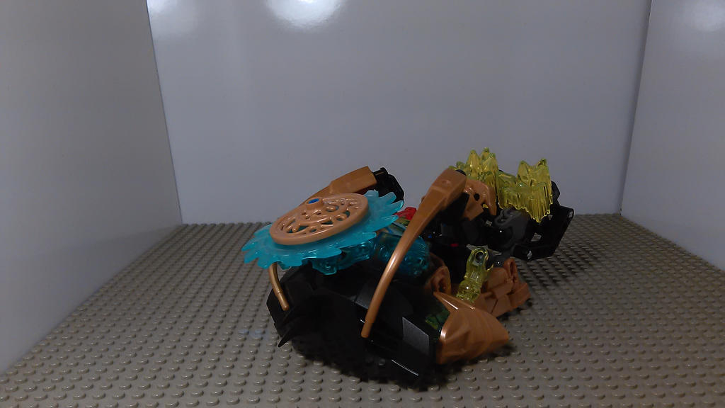 Umarak the Wrecker (Train Mode) by sideshowOfMadness