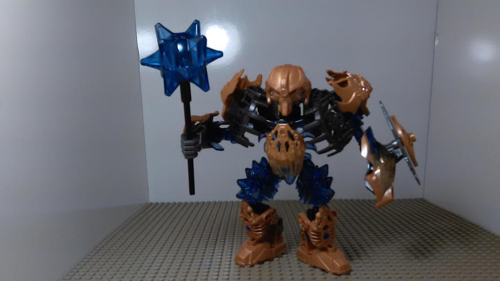 [Bionicle MOC] Makuta Okotos Defender by sideshowOfMadness