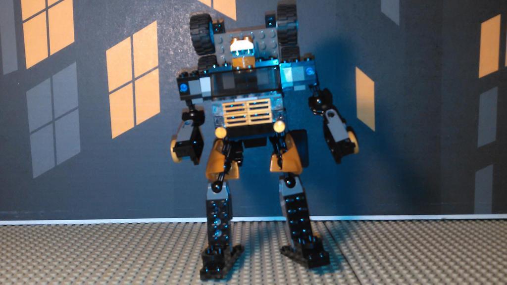 Gold Energon Optimus Prime (Robot mode) by sideshowOfMadness