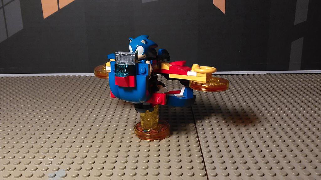 Sonic Mech (Plane Mode) by sideshowOfMadness
