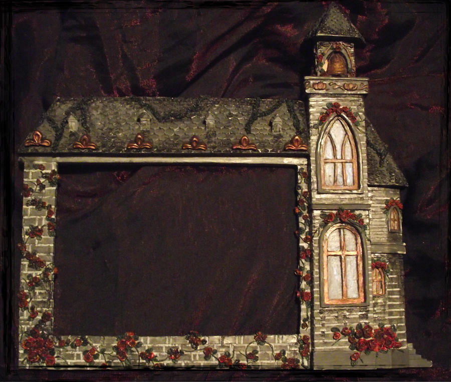 Addams Family picture frame 2 by dischordiasnightmare on deviantART