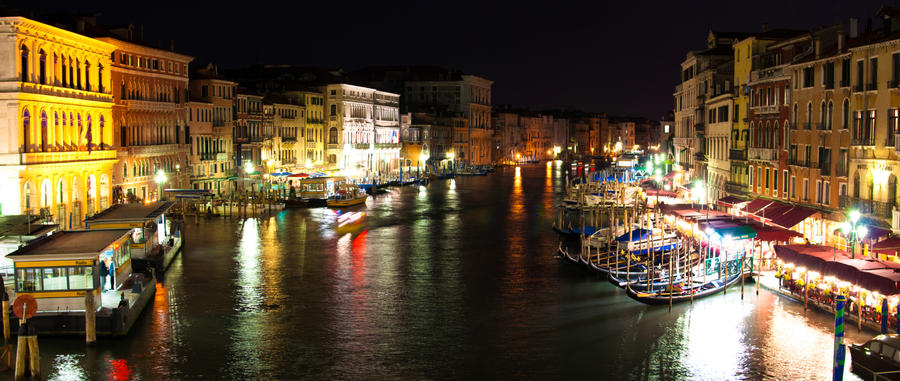 Grand Canal from Rialto by night by sunflower983