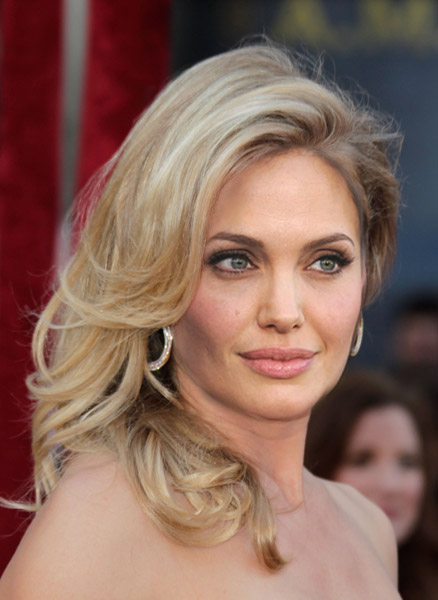 Angelina Jolie Natural Blonde 121