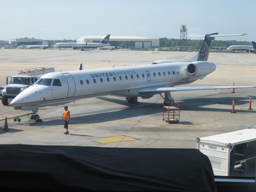 United Express ERJ-145 by InDeepSchit