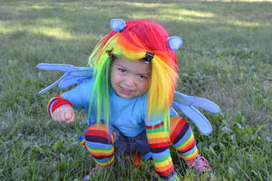 Rainbow Dash (My Little Pony Friendship Is Magic) by TheXKiba