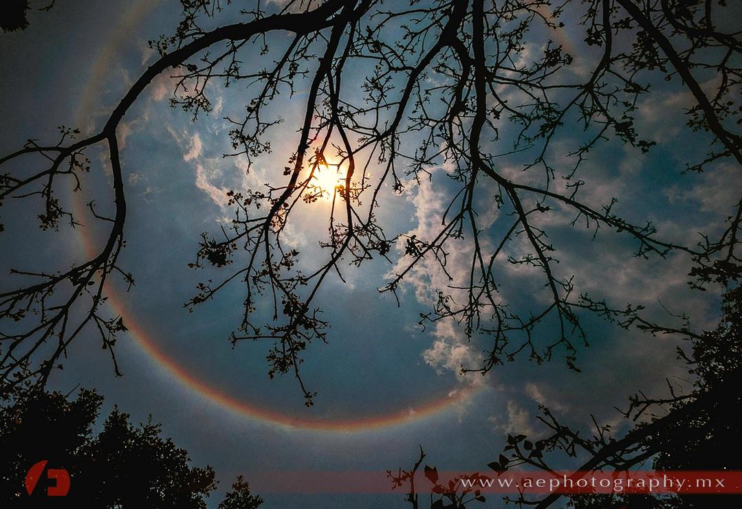 Solar halo by jadesoulrush