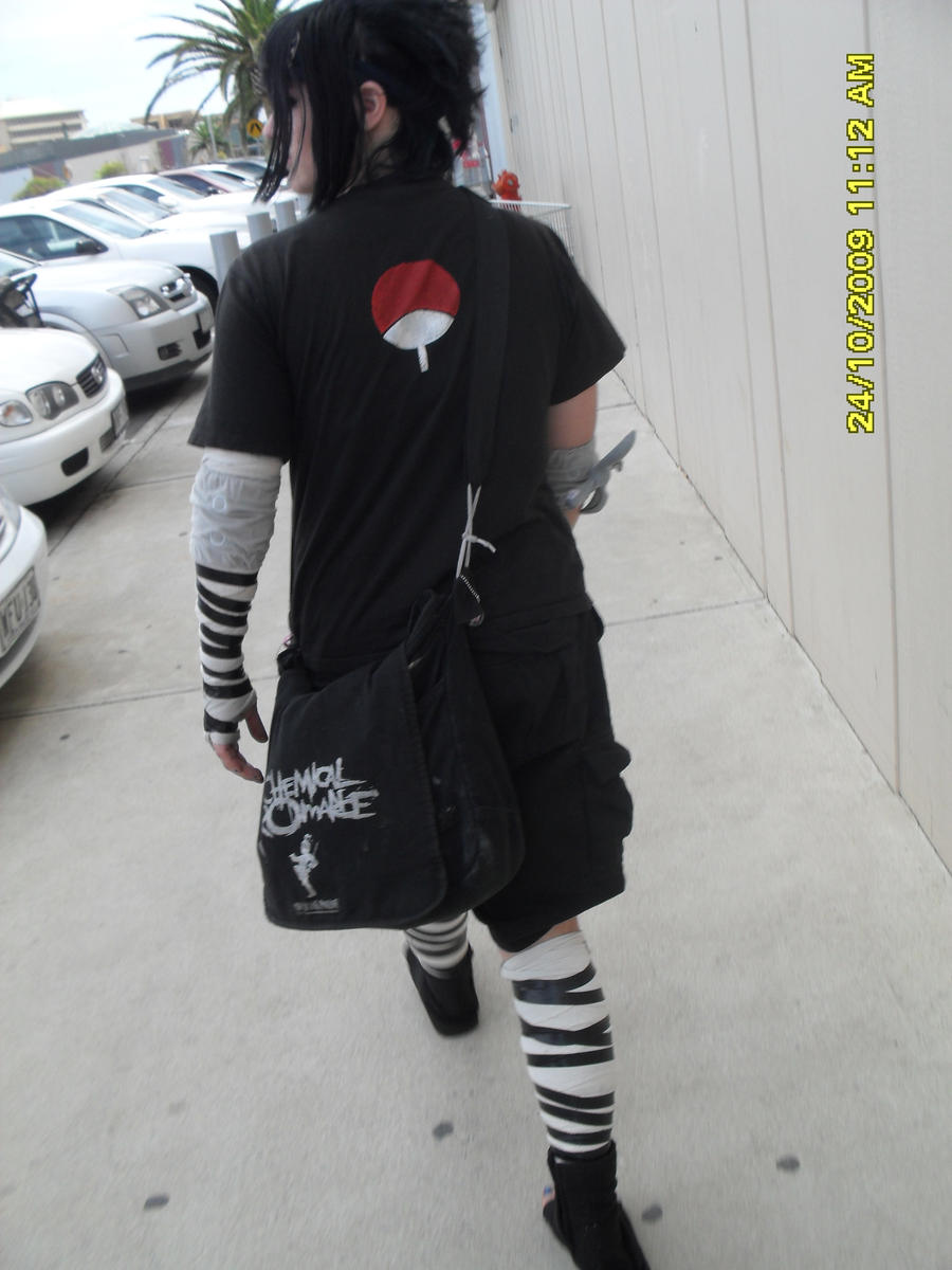 Sasuke, likes his music. by SasukeAVENGED