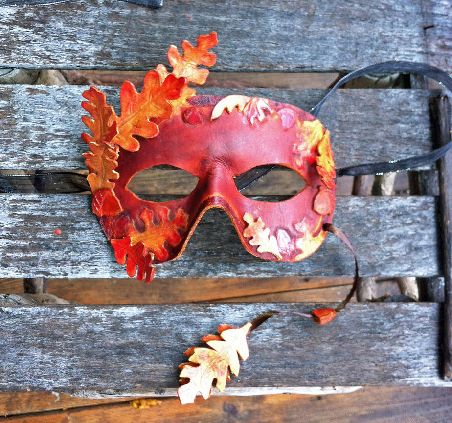 Oak Leaf Mask Completed by DaraGallery