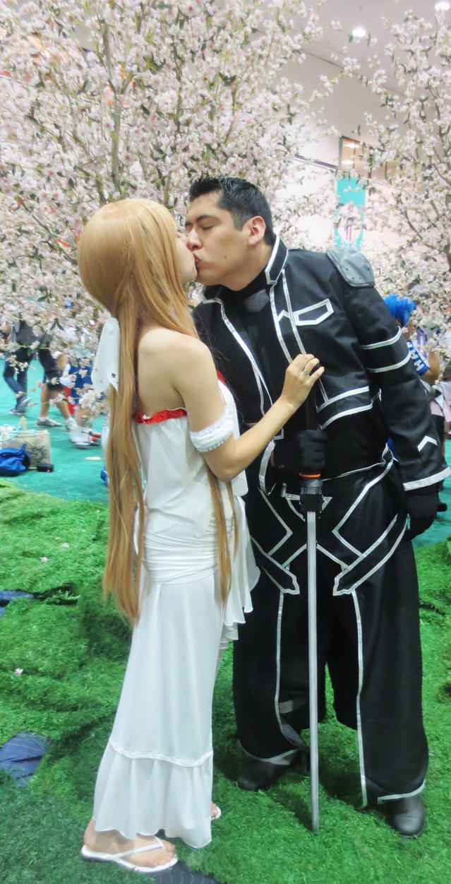 Asuna and Kirito Reuinited...at Anime Expo by Alluring-Angel