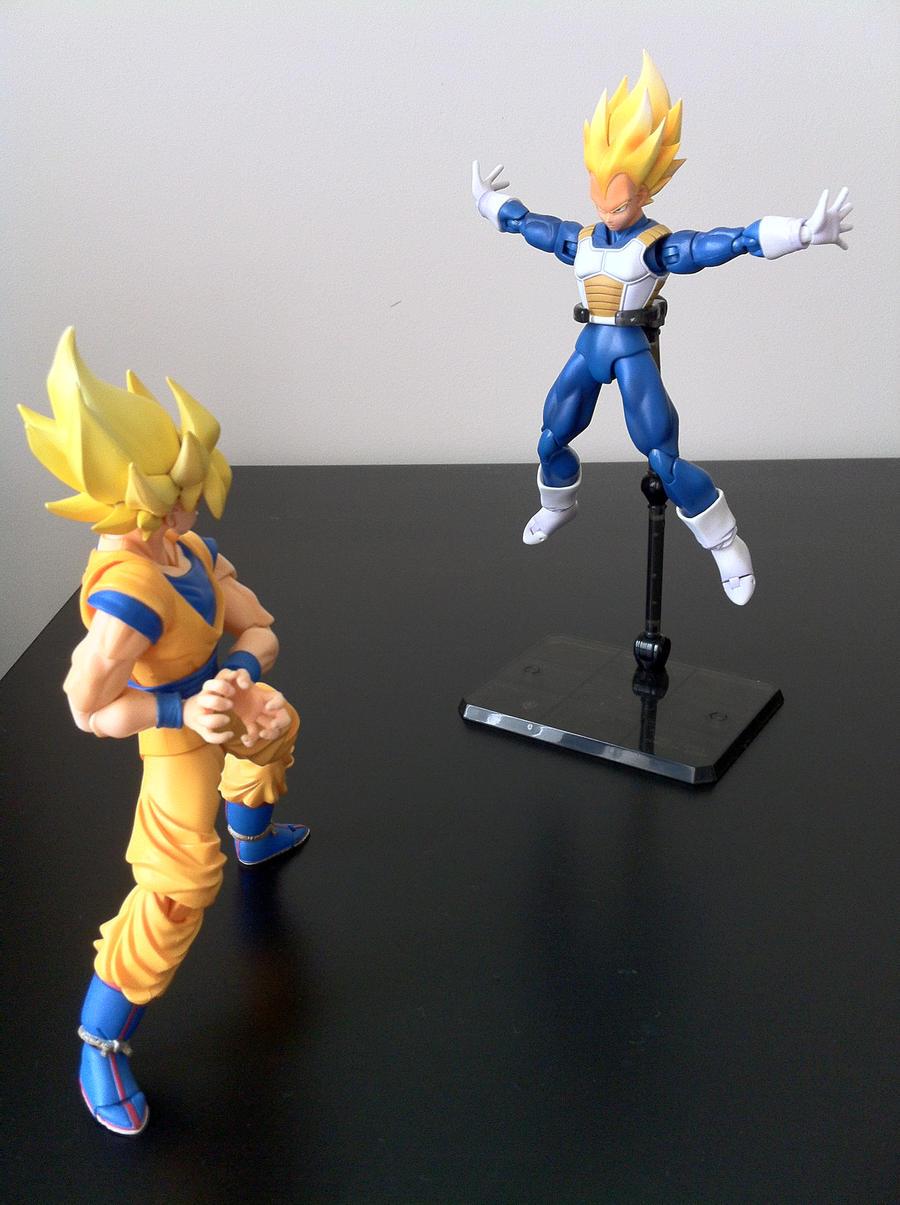 Figuarts SSJ Goku Vs Vegeta 7 By Icenero10