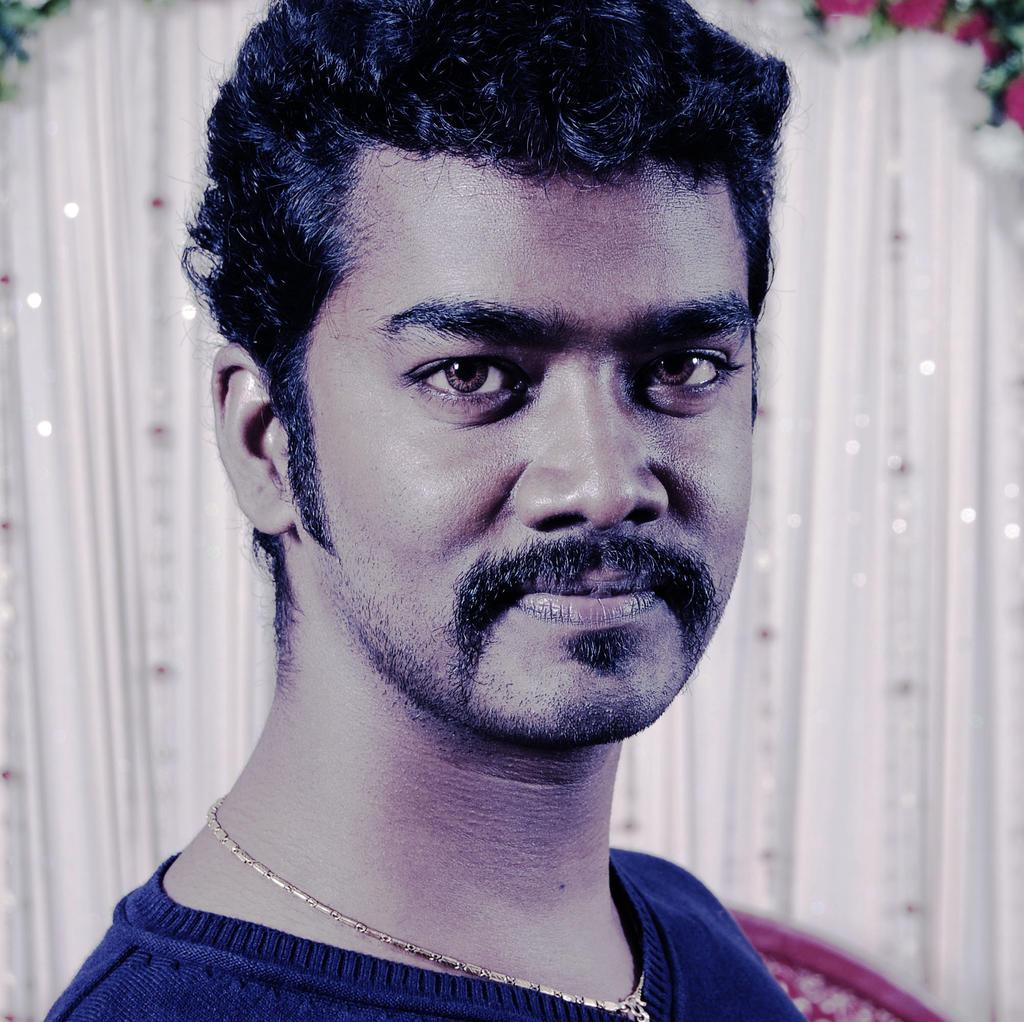 ezakytheartist's Profile Picture