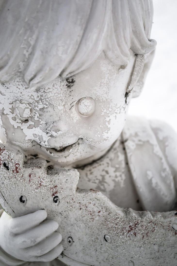 A Snowy Statuette by TimeAngel-113224400