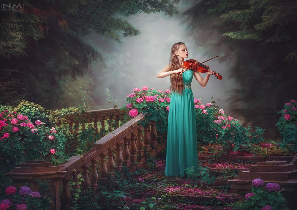 magic Strings by Makusheva
