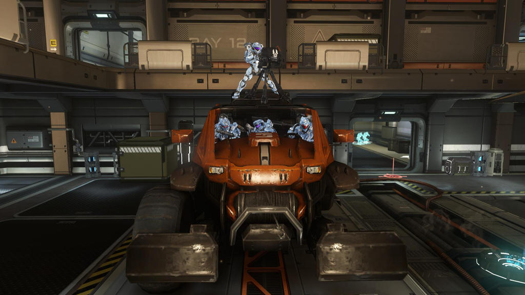 Halo 4 Inside The Landfall Orange Vehicle By Lizking10152011 On