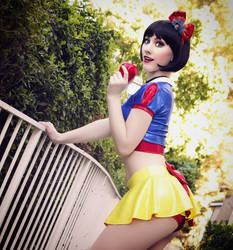 Snow White by Tara Cosplay