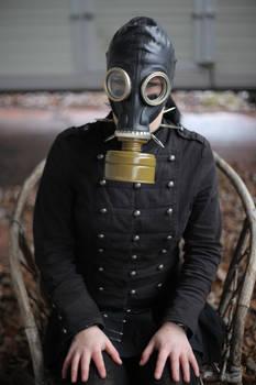 Jenny 07 - gas mask