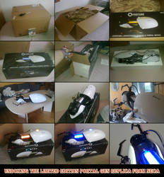 Unboxing the Portal Gun replica from NECA