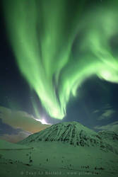 Northern lights - Volcano by TonyLeBastard