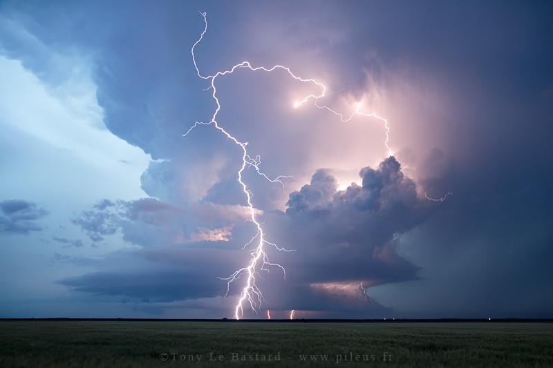 Lightning show by TonyLeBastard