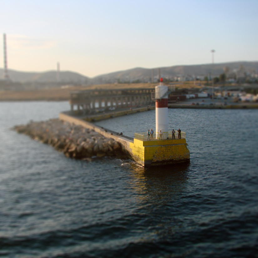 Lighthouse toy by theYiota