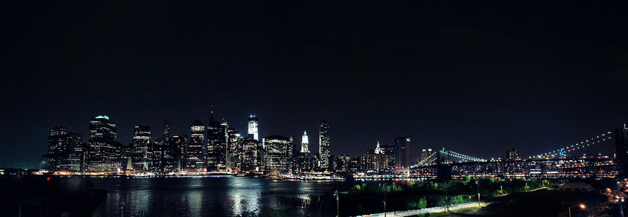 New York skyline at night by Isahn