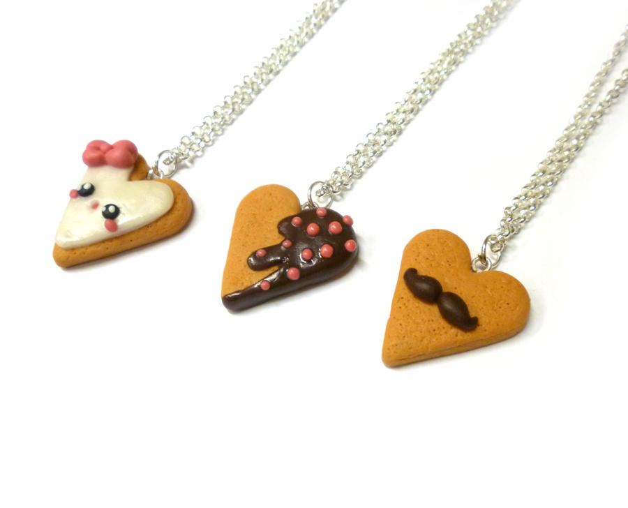 Heart cookie necklace - mustache, chocolate, icing by TenereDelizie