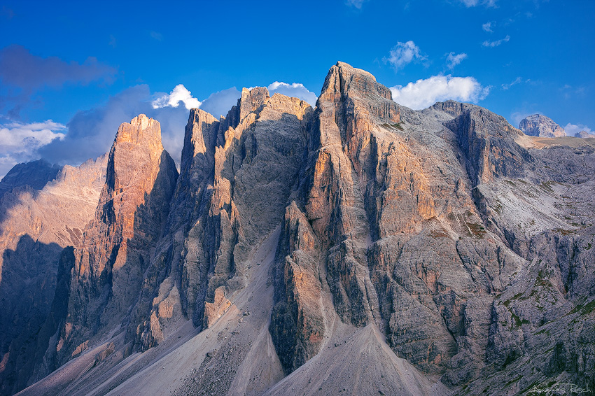 Dolomite Spikes by AndreasResch