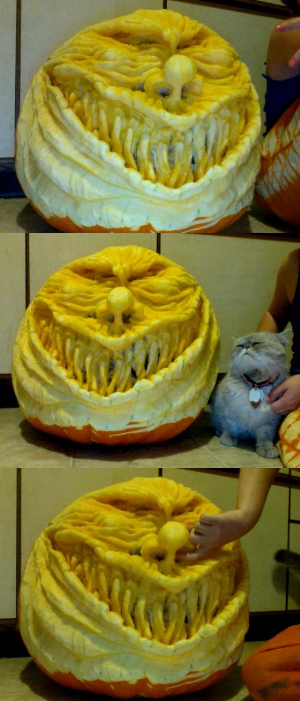 Scary Clown Pumpkin Sculpt by Carliihde