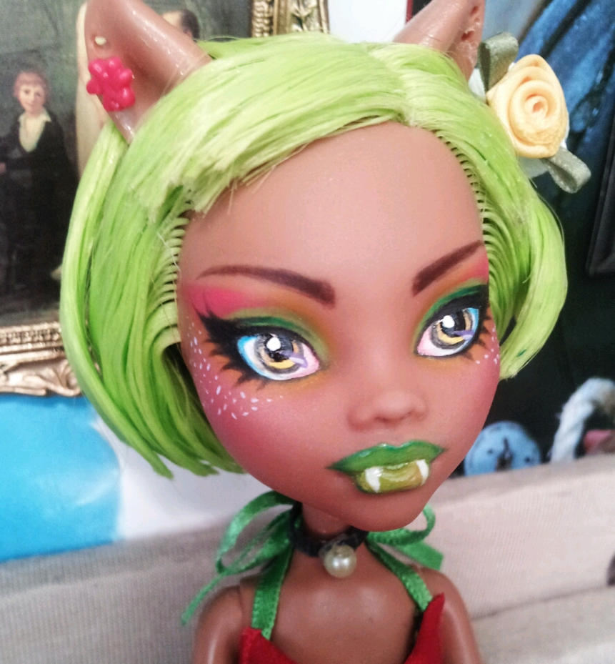 Clawdeen Repaint by SentinelDeMilo