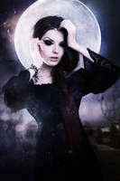 Moonlight Witch by Siha-Art