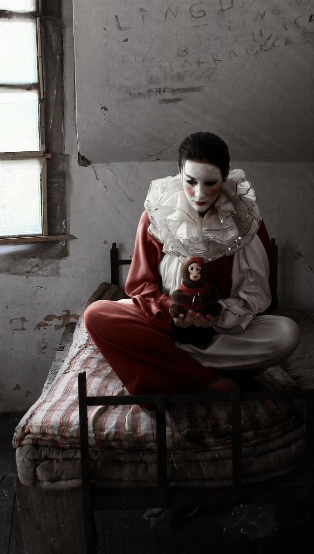 The  forgotten clown by ViniciusCarbonera