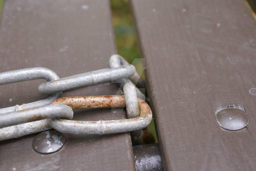 Rusty chain by MissManic7910
