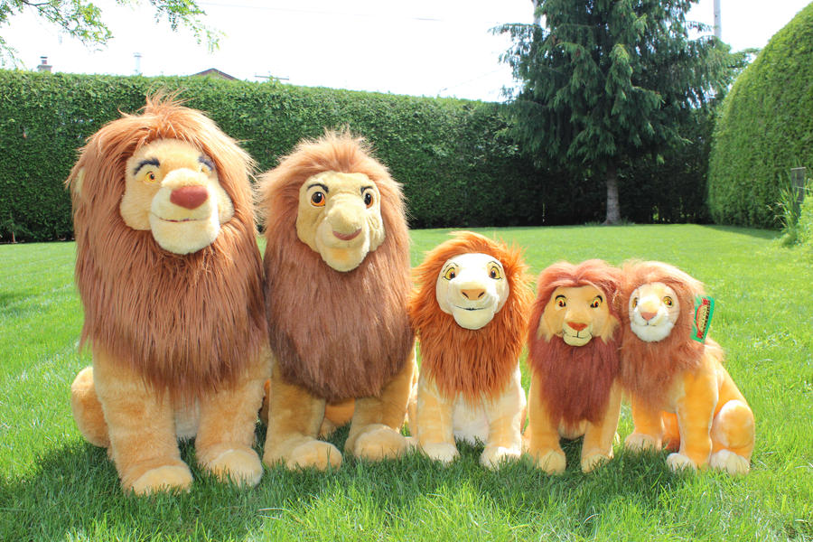 Adult Simba plushes by Laurel-Lion