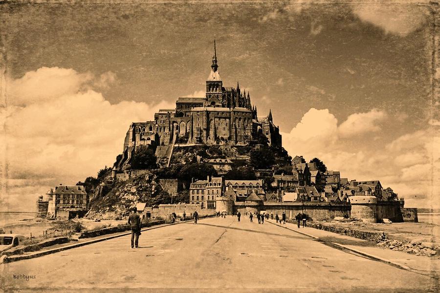 Abbey of Saint-Michel by Bobbyus