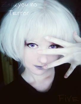 Zankyou no Terror Five cosplay in start