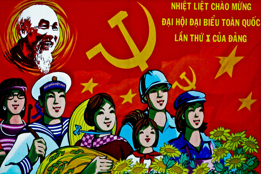 Communist Past by 4pm