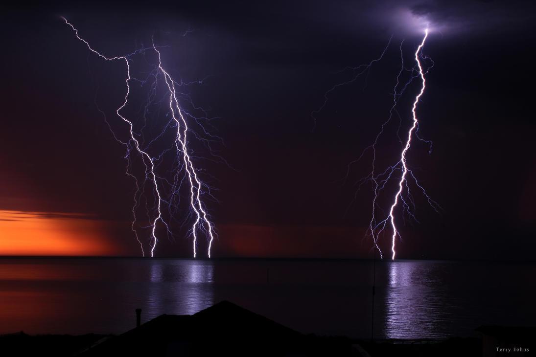 Lightning 01 by SiqueBrand