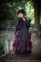 Stock - Baroque Lady  parc romantic portrait 2