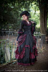 Stock - Baroque Lady  parc romantic portrait 2