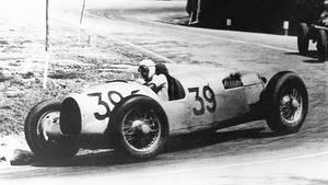 1935 Auto Union Type-B Formula Race Car