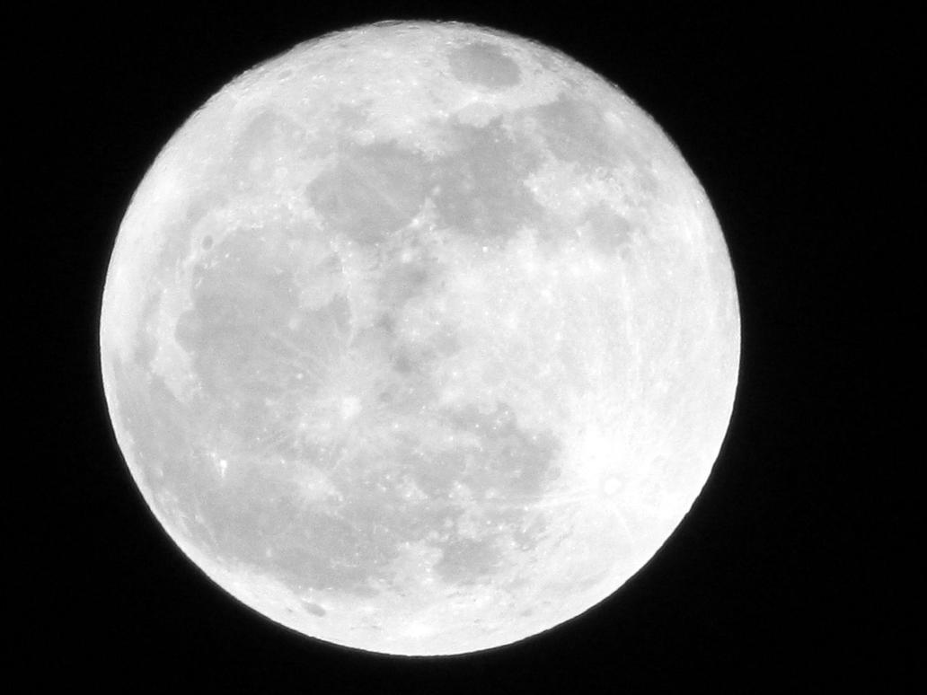 Last Full Moon of 2012 by RealityIntolerant