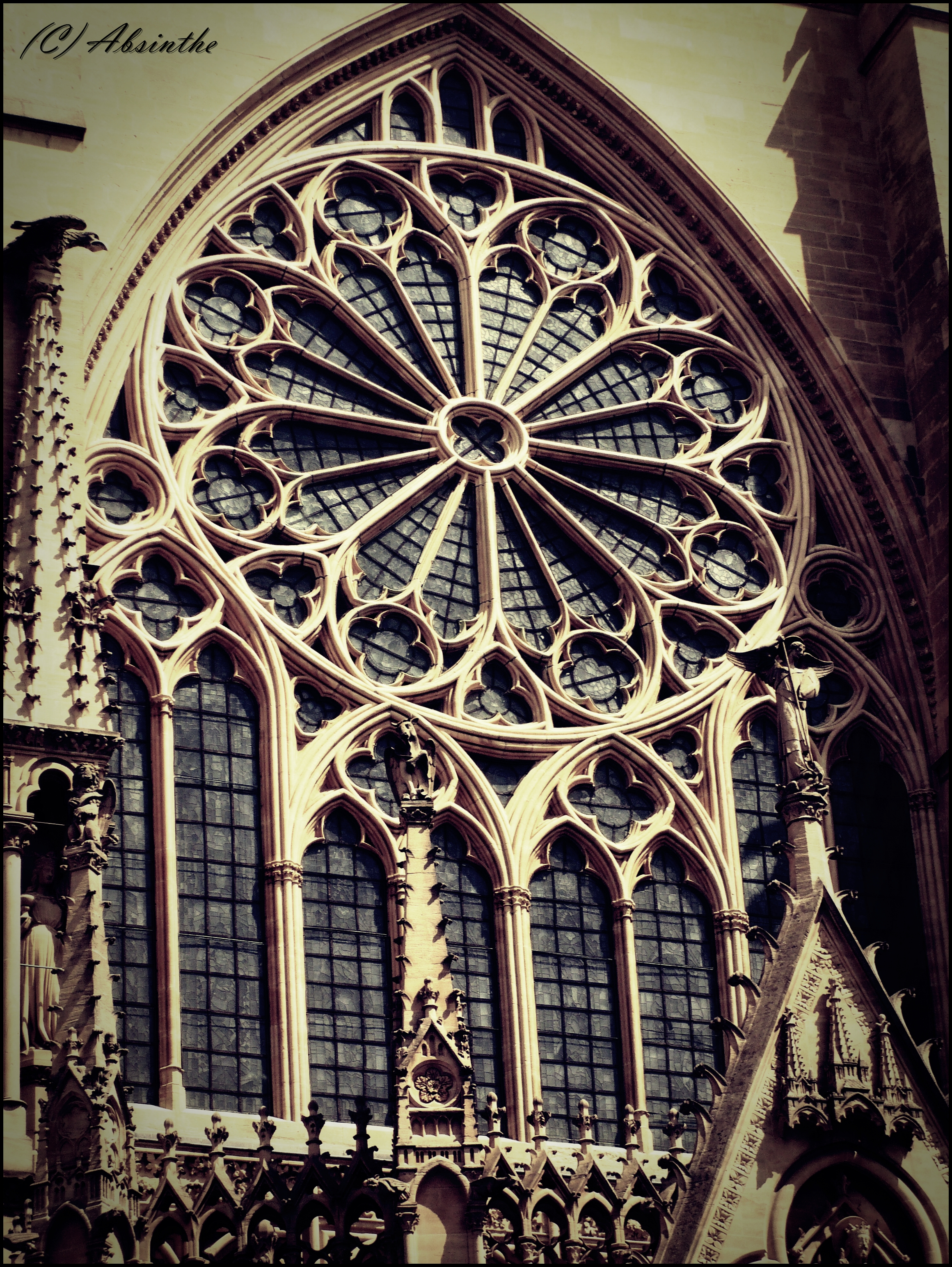 Ceramics gothic architecture for Architecture windows