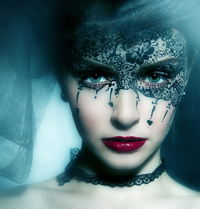 Eyes - Page 9 The_queen_of_spades_by_grafikfoto-d37h65s