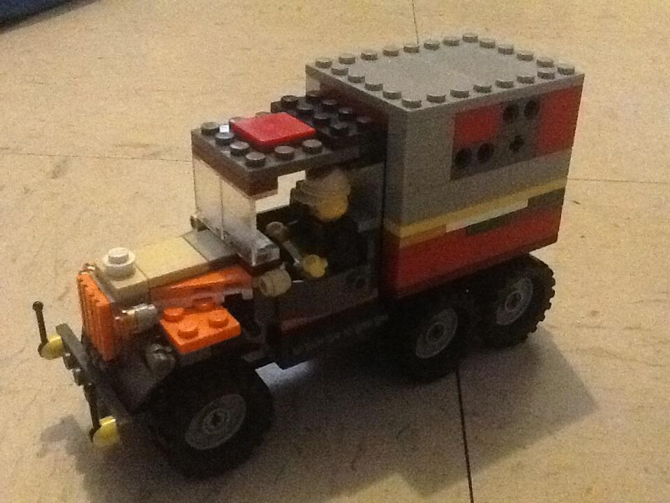 My custom lego indiana jones cargo transport truck by for Jones motor company trucking