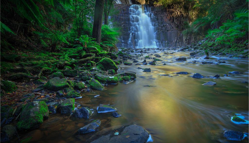 Dip Falls by Kyofuu