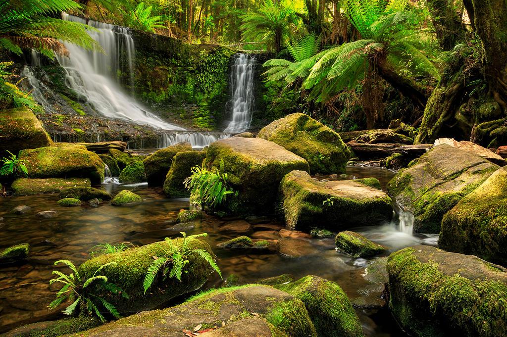 Horseshoe Falls by Kyofuu