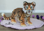 Auction! Poseable toy Tiger Cub.With opening jaw
