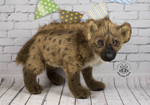 Poseable toy commission hyena for Kitchiki